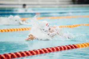 Trug begeleidt Zwemclub Brabo